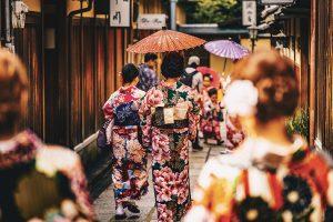 Giappone, la sfida di Abe sulle donne – di Pinuccia Parini